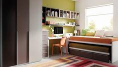 dormitorio juvenil, 2 camas con el cómodo sistema de camas deslizantes, zona de trabajo y armarios www.moblestatat.com horta barcelona