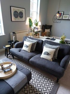 Victorian apartment renovation. New livingroom in Valspar Hinkypunk grey and IKEA/h&m home accessories