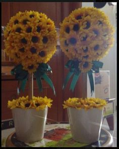 Sunflower Topiaries from www.facebook.com/countrydecors