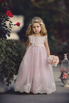 Ideas for wedding photography ideas flower girl tutus Flower Girls, Flower Girl Tutu, Wedding Flower Girl Dresses, Fashion Kids, Little Girl Dresses, Girls Dresses, Pretty Dresses, Beautiful Dresses, Cute Baby Girl Images