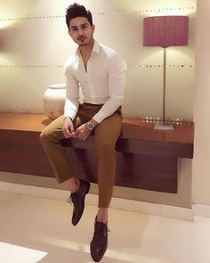 Stylish Mens Fashion, Mens Fashion Suits, Fashion Outfits, Formal Dresses For Men, Formal Men Outfit, Mens Casual Suits, Blazer Outfits Men, Indian Men Fashion, Designer Suits For Men