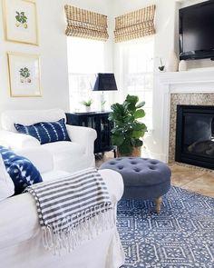 Coastal Living Rooms, Living Room Interior, Home Living Room, Living Room Furniture, Living Room Designs, Living Room Decor, Blue Living Rooms, Cottage Living, Kitchen Living