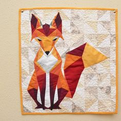 beautiful fox quilt by westandarrowquilts (https://instagram.com/westandarrowquilts/)