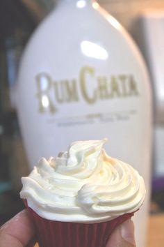 RumChata Cupcakes, Oh Yeah! It's the tasty drink that is taking the country by storm and can be used in cooking too!!