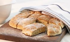 Nopea pannuleipä Reseptit: Helppo ja nopea ruis-vehnäleipäresepti.- Paljon herkullisia reseptejä! Bread, Food, Breads, Hoods, Meals, Bakeries