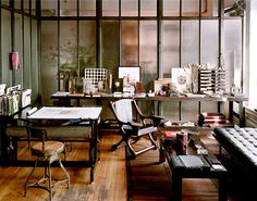 I want to put wall paper in my home office too! :D Home Office Design Ideas, Pictures of Home Office Designs, Home Office Decor Industrial Workspace, Office Workspace, Loft Office, School Office, Artist Workspace, Organized Office, Man Office, Office Floor, Industrial Windows