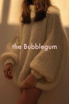 The Bubblegum — the Knitter. Fashion 2020, Diy Fashion, Autumn Fashion, Korean Fashion, Fashion Outfits, Origami Fashion, Fashion Details, Hand Knitting, Knitting Sweaters