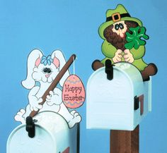 Holiday Mailbox Greeters Wood Pattern Full-size pattern to make 8 different interchangable holiday characters that attach to the top of your mailbox. #diy #woodcraftpatterns