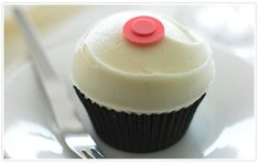 sprinkles cupcakes, the most expensive cupcake I've had so far.. $3.50 woww.. the frostings taste great, the cake not so much