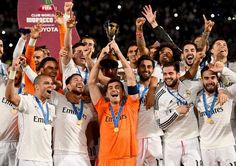 Iker Casillas, taça Real Madrid mundial de clubes (Foto: Getty Images)