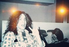Mike Starr & I'm pretty sure that is Layne Staley on the couch. Mike Starr, Mike And Mike, Big Box Braids, Mad Season, Layne Staley, Alice In Chains, Most Beautiful Man, Grunge, Celebs