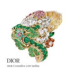 The floral enchantment at Dior! ❤❤ Don't you just Love it?! Wich one you Love the most?! ❤ #dior #dioraversailles #eclatduluxe #hautejoaillerie #highjewelrycollection #highjewelry #finejewelry