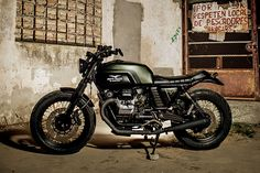 Welcome to Cafe Racer Design! We focus solely on showcasing the design of Cafe Racer Motorcycles. Cafe Racer is a term used for a type of motorcycle and the cyclists who ride them! Triumph Scrambler, Moto Guzzi Motorcycles, Motorcycle Types, Cafe Racer Motorcycle, Moto Bike, Custom Motorcycles, Custom Bikes, Motorcycle News, Vintage Motorcycles