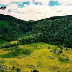 Não cansamos de admirar!   #aventure #aventuras #adventure #paisagens #montanhas #cachoeira #mochileiros #profissaoaventura #ecoturismo #lifestyle #healthylife #gopro #goprohero4 #goprobrasil #iphone #vsco #serrapelada #veudanoiva #trekking #trilha #nature #natureza #naturezaperfeita