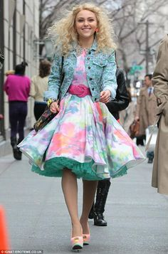 The Carrie Diaries ¤ outfit inspiration. We are wearing tulle under our circle skirt today:)