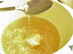 I've read many methods for making liquid soap. Most people agree making liquid soap from scratch, that is, from oils and potassium hydroxide, is tricky at best. Reports of solidifying and separat. Diy Shampoo, Homemade Shampoo, Liquid Castile Soap, Homemade Cleaning Products, Natural Shampoo, Natural Cleaners, Cleaners Homemade, Soap Recipes, Home Made Soap