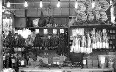 Macau - Traditional Chinese dry goods store (Jan 2013) - Photo taken by BradJill
