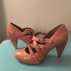 Steve Madden P-Ola Brown Leather Strappy Heel 8.5 Steve Madden P-Ola Brown Leather heels. These have a approx. 3.25 inch heel. These are very nice and cross functional, the can go from the office, to the bar or to the club with ease! These retail for  $110.00, let my loss be your gain! EUC, intact with very minor wear on soles and no scuffs, stains, or cosmetic damage to upper. Steve Madden Shoes Heels