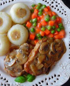Schab w Sosie Pieczarkowym - Przepis - Słodka Strona Polish Recipes, Polish Food, Sushi, Shrimp, Sausage, Meat, Chicken, Dinner, Cooking