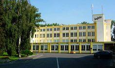 Krnov, město vzkříšení Kofoly, kde se opět začala vyrábět. Dnes hlavní výrobní závod Czech Republic, Homeland, Mansions, Country, House Styles, City, Home Decor, Mansion Houses, Homemade Home Decor