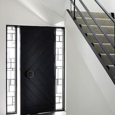 Black Front Door - Design photos, ideas and inspiration. Amazing gallery of interior design and decorating ideas of Black Front Door in home exteriors, entrances/foyers, porches by elite interior designers. Unique Front Doors, Black Front Doors, Modern Front Door, Front Door Entrance, Front Door Design, Entry Doors, Front Entry, Modern Entry, Entrance Foyer