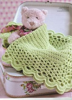 * just finished and it is so pretty! Ravelry: Project Gallery for Sweet Dreams pattern by Terry Kimbrough. Made this for Maddie. Crochet Afghans, Baby Afghans, Crochet Blanket Patterns, Baby Blanket Crochet, Baby Girl Crochet, Love Crochet, Knit Crochet, Handmade Baby Blankets, Knitted Baby Blankets