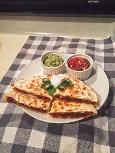 Chorizo Quesadilla [OC] [2448x3264] #foodporn #food #foodie #yummy #yum #foodgasm #nomnom #delicious #recipe