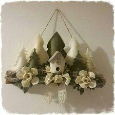 Farmhouse Christmas Ornaments, Christmas Ornament Crafts, Felt Christmas, Holiday Crafts, Wreath Crafts, Felt Crafts, Felt Decorations, Christmas Decorations, Felt Flower Wreaths