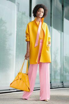 Akris Resort 2020 Fashion Show - Vogue Fashion Mode, Fashion 2020, Look Fashion, Runway Fashion, Spring Fashion, Fashion Show, Fashion Outfits, Fashion Design, Fashion Trends