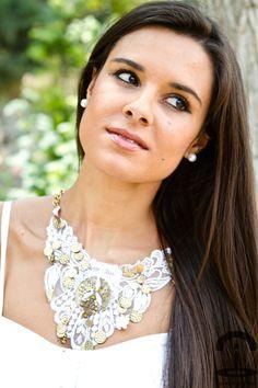 DIY Collar de guipur con charms   Crimenes de la Moda