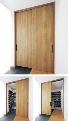 土間・室内のどちらからでも出入りできます。 Japanese Interior, Hiding Places, Entrance Hall, Inspired Homes, Mudroom, Home Organization, My Dream Home, Future House, Tall Cabinet Storage