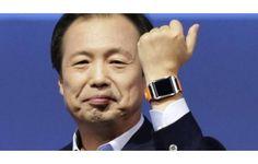 Depois de muita expectativa, a Samsung finalmente se lançou em um novo mercado, o da chamada tecnologia 'vestível'. E tudo indica que a corena vem com força; um dia após revelar o Galaxy Gear, seu relógio inteligente que faz ligações, aempresa promete 70 aplicativoscompatíveis no lançamento, no di