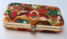 Your place to buy and sell all things handmade Retro Fabric, Retro Design, Bold Colors, Continental Wallet, Olive Green, Clutches, Coin Purse, Autumn Fashion, Fashion Accessories