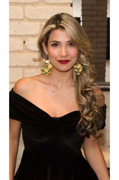 Aretes Racimo de Palma verde Alejandra Valdivieso joyas Jewelry Design, Earrings, Stud Earrings, Necklaces, Colombian Women, Modern Women, Palms, Fashion Trends, Green