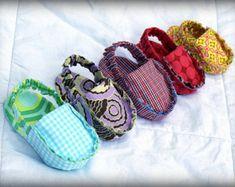Items similar to INSTANT DOWNLOAD Baby shoe sewing pattern PDF digital loafer moccasin bootie slipper sandal tutorial newborn boy girl diy shower gift on Etsy