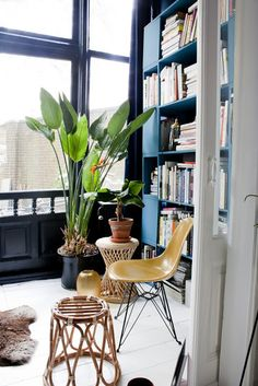 Tour por una casa ecléctica en La Haya. http://www.disenoyarquitectura.net/2017/05/esta-vivienda-en-la-haya-holanda-es-un.html #interiores #arquitectura #diseño #vintage