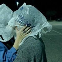 """A veces es difícil amar Love in the time of plastic bags. Anyway we love this photo. Rene Magritte """"The Lovers"""" 1928 Remake by MK/ Couple Aesthetic, Aesthetic Pictures, Grunge Couple, Teen Romance, Teenage Dream, Cute Relationships, Photomontage, Mood Pics, Photos Du"""