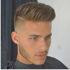Fabulous Men Short Frisuren Ideen für dickes Haar 11 - Frisuren Ideen Frauen Best Picture For cool Hairstyles For Your Taste You are looking for something, and it is going to tell you exactly what you Trendy Haircuts, Haircuts For Men, Hair And Beard Styles, Curly Hair Styles, Short Hair Styles Men, Gents Hair Style, Voluminous Hair, Fade Haircut, Haircut Men