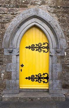Kilworth, County Cork, Ireland Amazing doorway in bright yellow color. Cool Doors, Unique Doors, Knobs And Knockers, Door Knobs, When One Door Closes, Yellow Doors, Mellow Yellow, Bright Yellow, Bright Colors