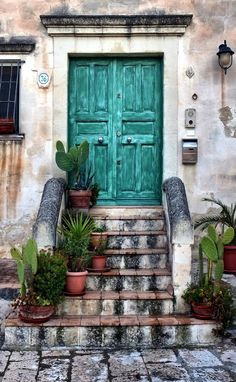Door in Matera, Basilicata, Italy Cool Doors, Unique Doors, Farmhouse Front, Antique Farmhouse, Door Knockers, Door Knobs, When One Door Closes, Door Gate, Doorway