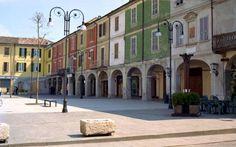 la piazza di Pianello in val Tidone