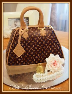 Louis Vuitton Cake Handbag Cakes, Purse Cakes, Fondant Cakes, Cupcake Cakes, Louis Vuitton Cake, Gorgeous Cakes, Amazing Cakes, Fashionista Cake, Twin Birthday Cakes