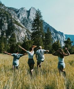 Camping tips and hacks for your travel Best Friend Goals, Best Friends, Photographie Portrait Inspiration, Summer Goals, Summer Dream, Summer Fun, Teenage Dream, Summer Aesthetic, Friend Pictures