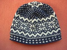 Norwegian Star beanie Knitting pattern by Sandra Jäger - handschuhe sitricken Lace Knitting, Knit Crochet, Crochet Hats, Knitted Hats Kids, Knitting Hats, Knit Hats, Vintage Knitting, Crochet Granny, Fair Isle Knitting Patterns