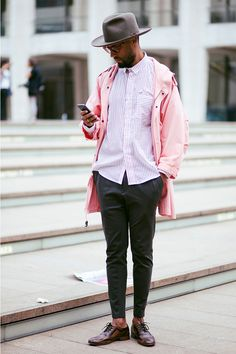 NYFW Checking Texts Streetstyle menswear Stripe Shirt Hat