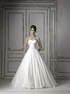 Ivory White Ball Gown Chiffon Drop Waist Floor Justin Alexander Ruching Silk Strapless Sweetheart Wedding Dresses Photos & Pictures - WeddingWire.com
