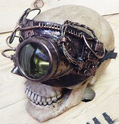 Steampunk 'MONOCLE' Half Mask with TUBING and GEARS - Post Apocalyptic Futuristic - Copper Distressed-Look by jadedminx on Etsy Steampunk Weapons, Steampunk Robots, Steampunk Mask, Steampunk Gadgets, Steampunk Design, Steampunk Cosplay, Buy Mask, Post Apocalyptic Fashion, Gear Art