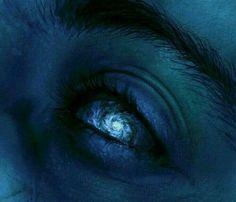New Eye Aesthetic Galaxy Ideas Story Inspiration, Writing Inspiration, Character Inspiration, Foto Fantasy, Fantasy Art, Arte Robot, Vanitas, Blue Aesthetic, Aesthetic Galaxy