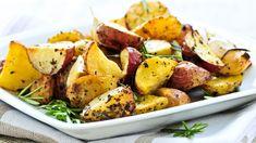Healthy Side Dish Recipe: Baby Roasted Herbed Potatoes The Beauty Bean – Beauty Roasted Potato Wedges, Herbed Potatoes, Rosemary Roasted Potatoes, Roasted Potato Recipes, Baby Potatoes, Gluten Free Sides Dishes, Healthy Side Dishes, Side Dish Recipes, Recipes Dinner