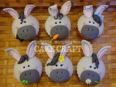 Donkey Cupcakes!  on Cake Central